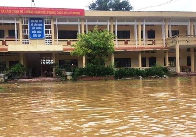 Sơn La: 1 người chết, hàng trăm ngôi nhà ngập lụt vì mưa bão - 2