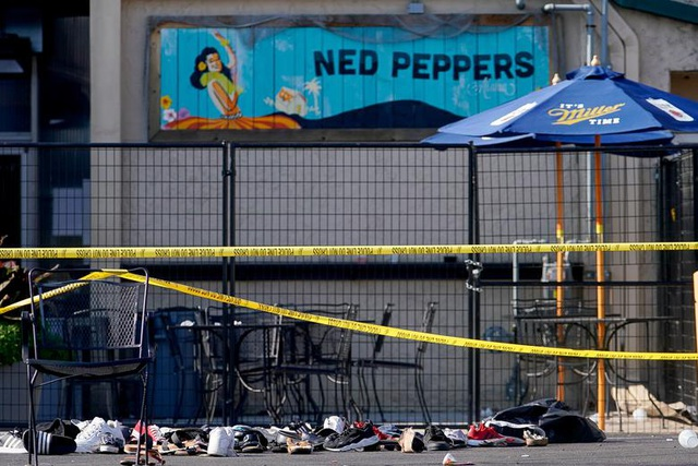 """29 người chết trong 2 vụ xả súng: Cuối tuần """"đẫm máu"""" của nước Mỹ - 9"""