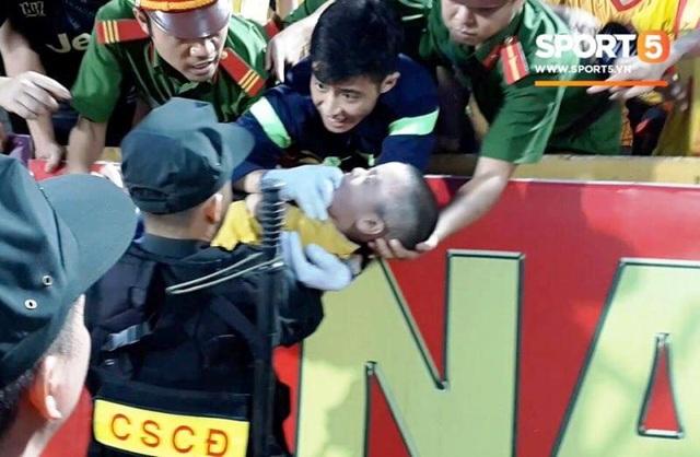 Tuyên dương 5 chiến sĩ cảnh sát cứu cháu bé co giật trên sân Thiên Trường - 4