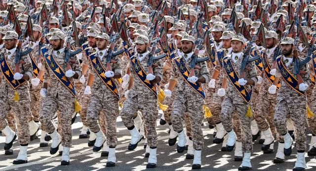 """Tổng thống Iran: Đối thủ sẽ vướng phải """"mẹ của các cuộc chiến tranh"""" nếu đối đầu Iran - 1"""