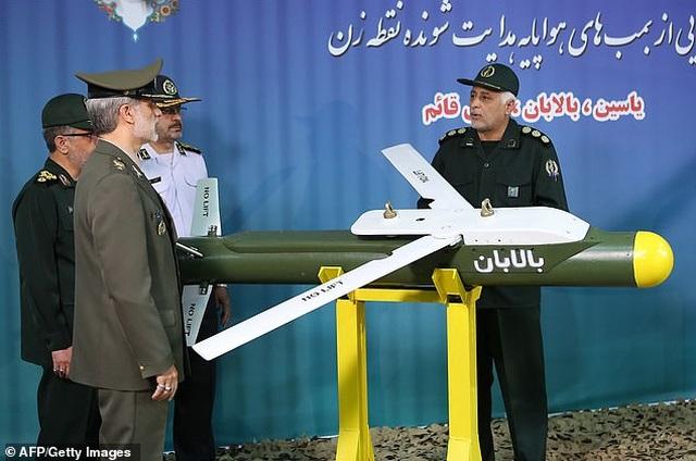 Iran cùng lúc khoe 3 tên lửa dẫn đường không đối không mới - 2
