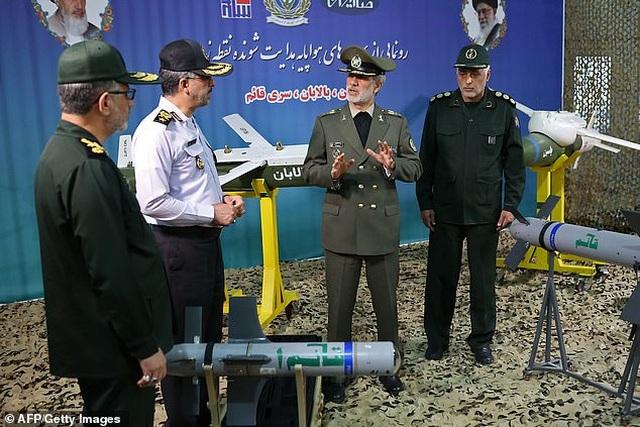 Iran cùng lúc khoe 3 tên lửa dẫn đường không đối không mới - 3