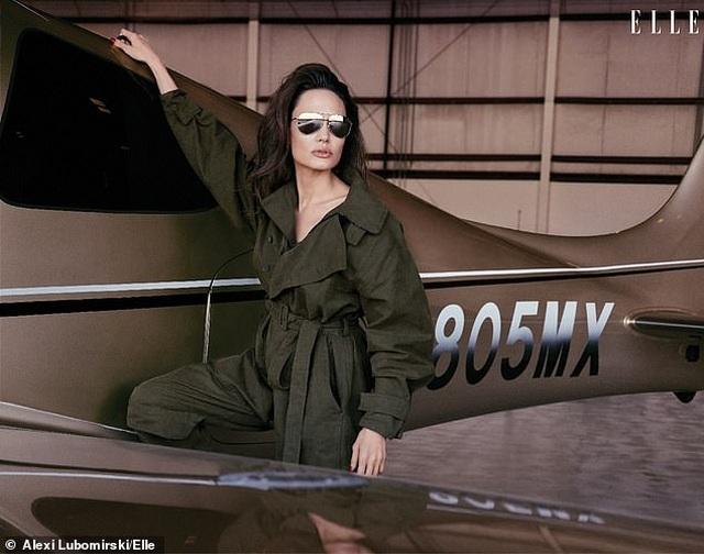 """Angelina Jolie muốn có thật nhiều """"phụ nữ tinh quái"""" trên thế giới - 4"""