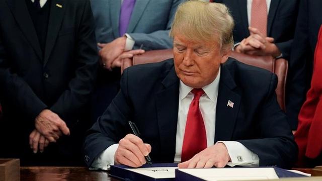 Ông Trump ký lệnh trừng phạt toàn bộ tài sản của chính phủ Venezuela tại Mỹ - 1