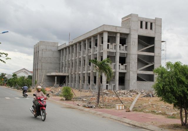 Hàng loạt sai phạm tại dự án nhà ở xã hội đầu tiên của tỉnh Phú Yên! - 3