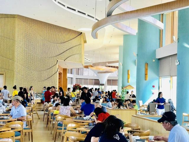 FLC Quy Nhơn tiếp tục là điểm hẹn nghỉ dưỡng hàng đầu Nam Trung Bộ, đón ngàn du khách dịp sinh nhật 3 tuổi - 1