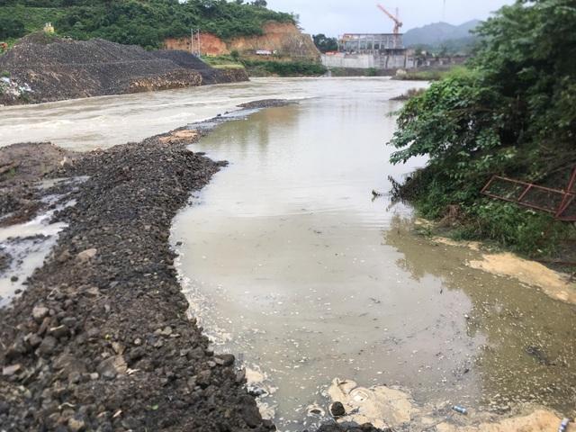 Thủy điện của vợ PGĐ Sở nắn dòng: Cam kết khắc phục tình trạng thiếu nước - 1