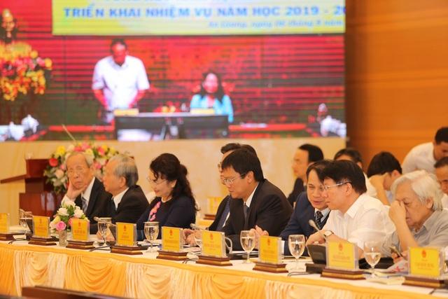 """Thủ tướng Nguyễn Xuân Phúc: """"Kiên quyết đóng cửa trường đại học yếu kém kéo dài"""" - 2"""