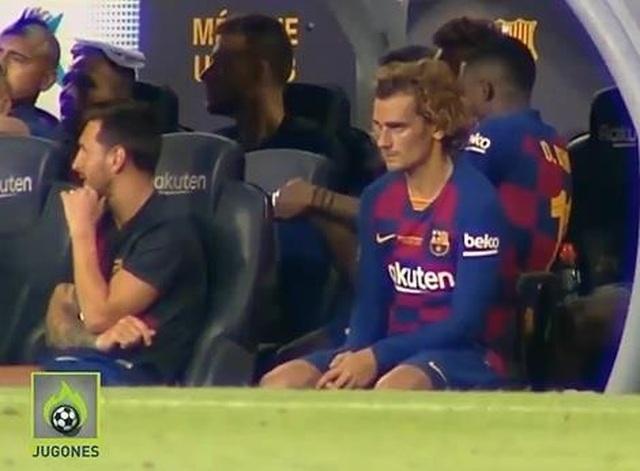 Messi từ chối bắt tay, khó chịu ra mặt với Griezmann - 1