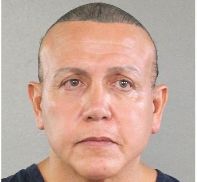 Kẻ gửi bom tới nhà Obama và Clinton lĩnh án tù 20 năm - 1