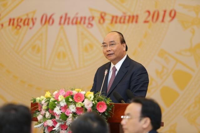 """Thủ tướng Nguyễn Xuân Phúc: """"Kiên quyết đóng cửa trường đại học yếu kém kéo dài"""" - 1"""