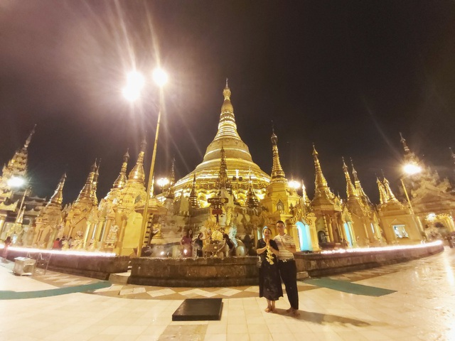 Độc đáo ngôi chùa dát 90 tấn vàng, gắn nghìn viên kim cương đắt giá ở Myanmar - 9