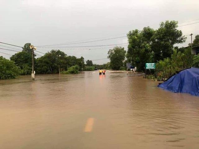 Đắk Lắk mênh mông nước ngập sau nhiều giờ mưa lớn - 9