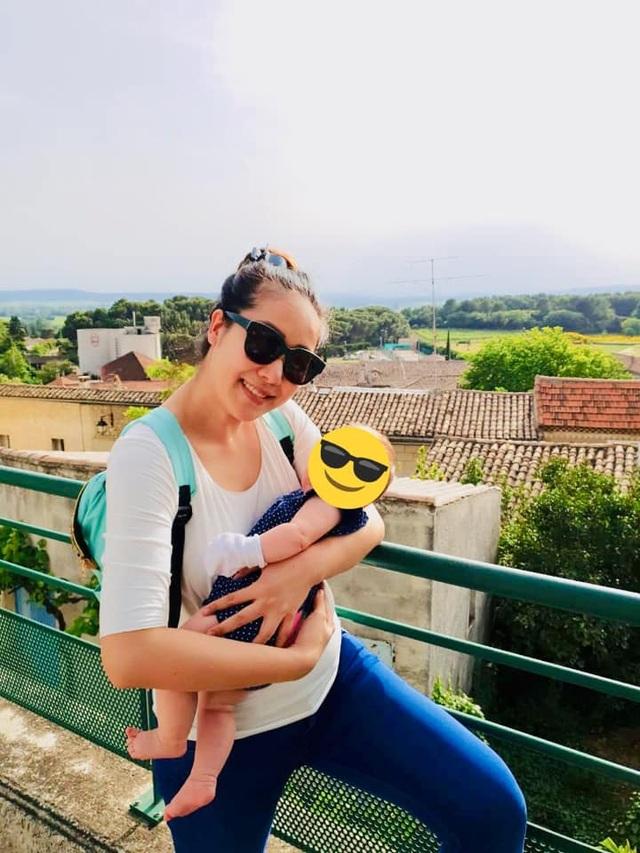 Hoa hậu Ngô Phương Lan nhập viện vì ngộ độc thức ăn - 1