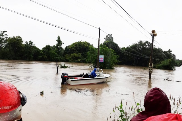 Đắk Lắk mênh mông nước ngập sau nhiều giờ mưa lớn - 7