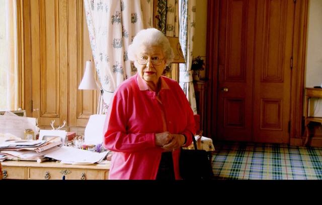 Bên trong Lâu đài Balmoral trị giá 115 triệu bảng nơi Nữ hoàng Anh dành kỳ nghỉ hè của mình - 2