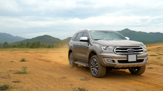 Đánh giá Ford Everest: SUV 7 chỗ đích thực - 4