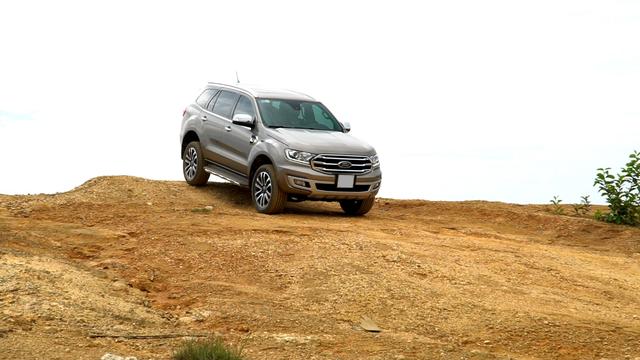 Đánh giá Ford Everest: SUV 7 chỗ đích thực - 5