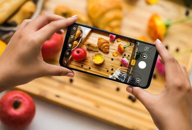 Vingroup ra mắt dòng điện thoại VSMART thế hệ 2 - 3