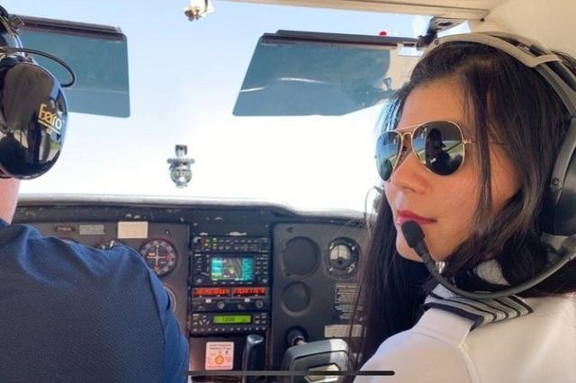 Nữ phi công gốc Việt đặt mục tiêu một mình bay vòng quanh thế giới - 1