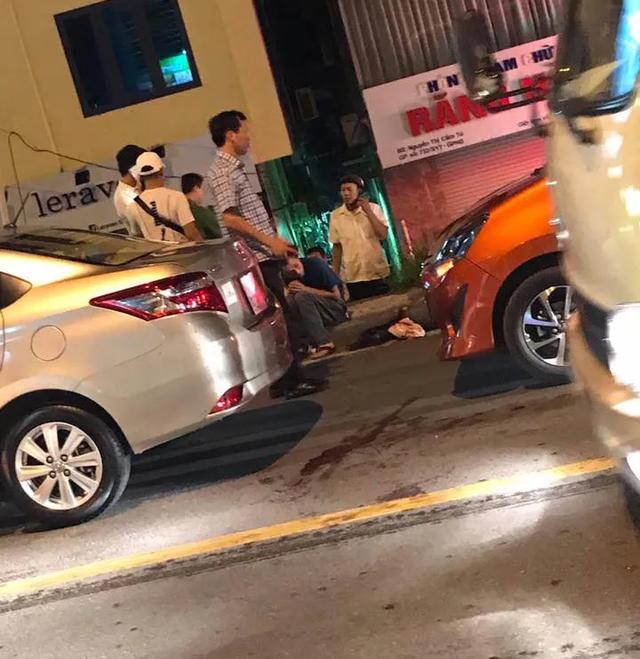 Hà Nội: Sau va chạm giao thông, người đàn ông rút dao đâm đối phương gục tại chỗ - 1
