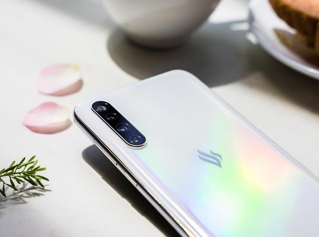 Vingroup ra mắt dòng điện thoại VSMART thế hệ 2 - Ảnh minh hoạ 8