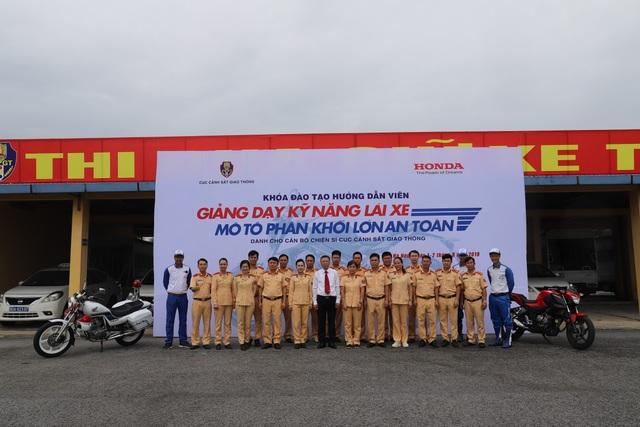 Honda Việt Nam phối hợp với Cục CSGT tổ chức các khóa tập huấn đào tạo lái xe an toàn - 4