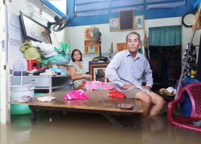 Hàng trăm hộ dân trên đảo Phú Quốc chìm trong biển nước khắc khoải chờ cứu trợ - 1