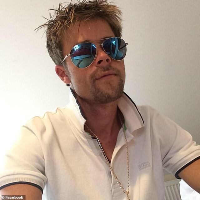 Người đàn ông than bất hạnh vì diện mạo quá giống Brad Pitt - 4