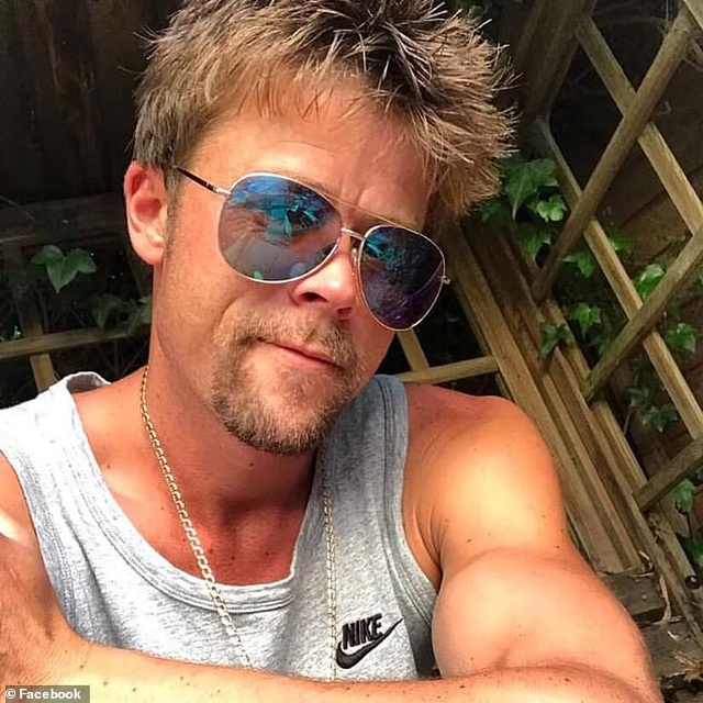 Người đàn ông than bất hạnh vì diện mạo quá giống Brad Pitt - 5
