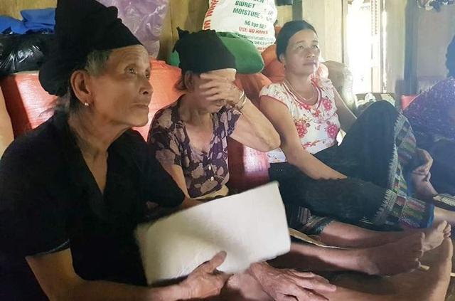 """Nỗi đau bản Sa Ná: Báo Dân trí hỗ trợ """"nóng"""" hàng chục triệu đồng đến các gia đình bị thiệt hại - 2"""