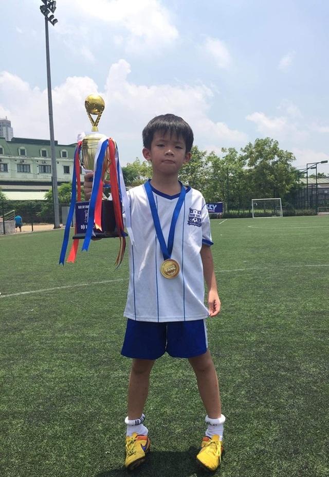 Hú hồn hành trình lưu lạc 9 giờ đồng hồ của cậu bé Hà Nội bị bỏ quên trên xe buýt trường học - 3