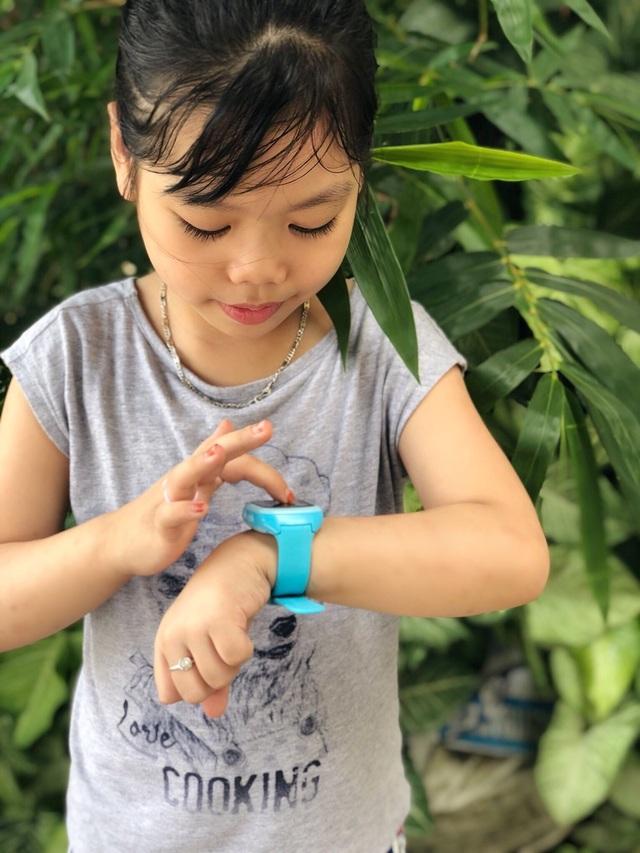 Phụ huynh sốt sắng mua đồng hồ định vị cho con - 2