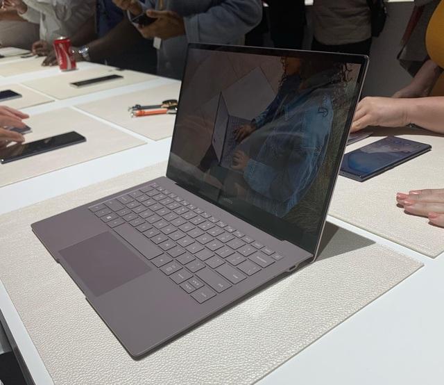 Galaxy Book S - Laptop siêu mỏng dùng chip Qualcomm, pin 23 giờ - 2