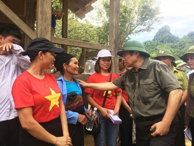 Trưởng ban Tổ chức Trung ương thăm hỏi, chỉ đạo khắc phục hậu quả mưa lũ - 2