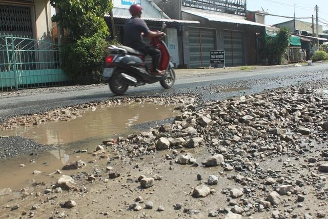 Quốc lộ 80 đoạn qua Cần Thơ xuống cấp nghiêm trọng, tai nạn liên tiếp - 1