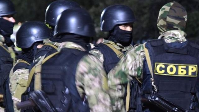 Đặc nhiệm mang đạn cao su đột kích nhà cựu Tổng thống Kyrgyzstan, bị chống trả bằng đạn thật - 1