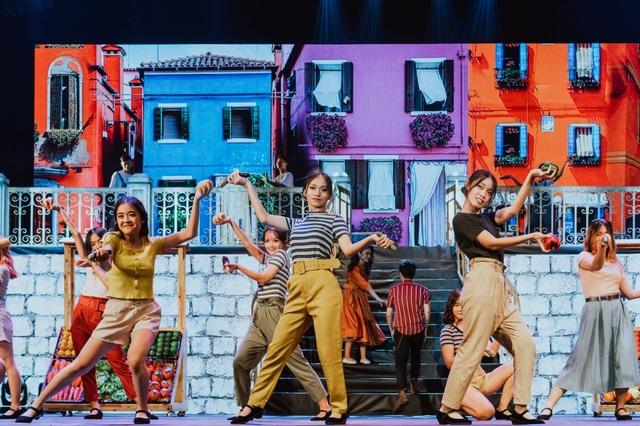 Học sinh trường Ams tự tin trình diễn nhạc kịch Broadway trên sân khấu Nhà hát lớn - 5