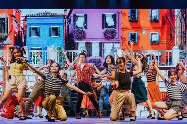 Học sinh trường Ams tự tin trình diễn nhạc kịch Broadway trên sân khấu Nhà hát lớn - 6