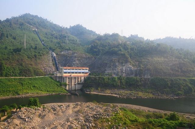 Nhiều hồ thủy điện vẫn cạn nước mặc dù hoàn lưu cơn bão Wipha gây lũ lụt nhiều nơi - 1