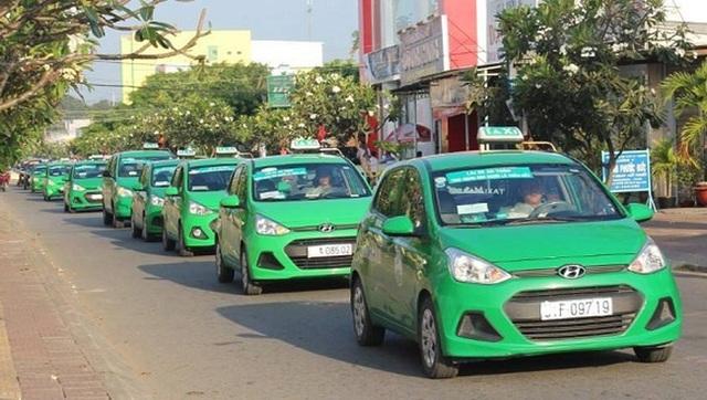 Taxi truyền thống muốn chuyển đổi thành xe hợp đồng điện tử - 2