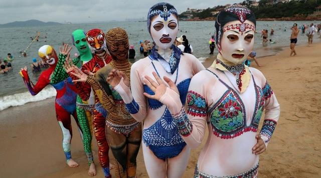 Thời trang tắm biển ở Trung Quốc khiến nhiều người … sốc nặng - 2