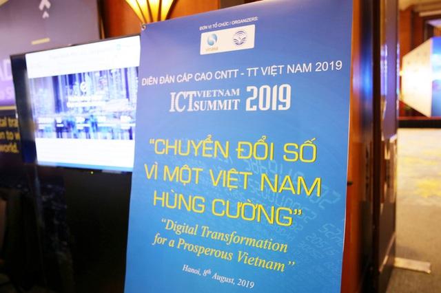 ICT Vietnam Summit 2019 bàn về chủ đề Chuyển đổi số và làm thế nào để biến Việt Nam thành một đất nước hùng cường.