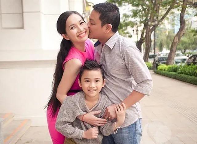Điểm danh những ông bố dượng của showbiz Việt - 5