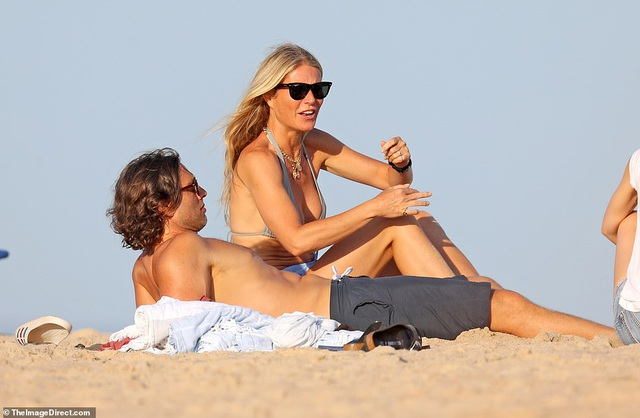 Gwyneth Paltrow và Chris Martin đưa người mới gặp người cũ - 8