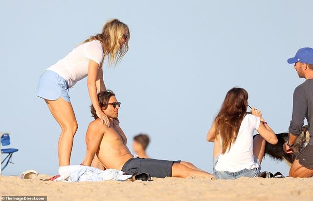 Gwyneth Paltrow và Chris Martin đưa người mới gặp người cũ - 7