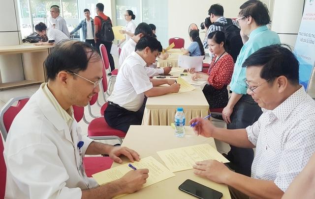 Hàng trăm người đăng ký hiến tặng mô/tạng ở lễ thành lập Trung tâm Ghép tạng tại Huế - 9