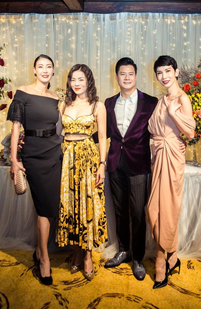 Vợ chồng Cẩm Vân - Khắc Triệu, Lệ Quyên mừng sinh nhật tuổi 43 của Quang Dũng - 14