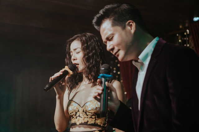 Vợ chồng Cẩm Vân - Khắc Triệu, Lệ Quyên mừng sinh nhật tuổi 43 của Quang Dũng - 2