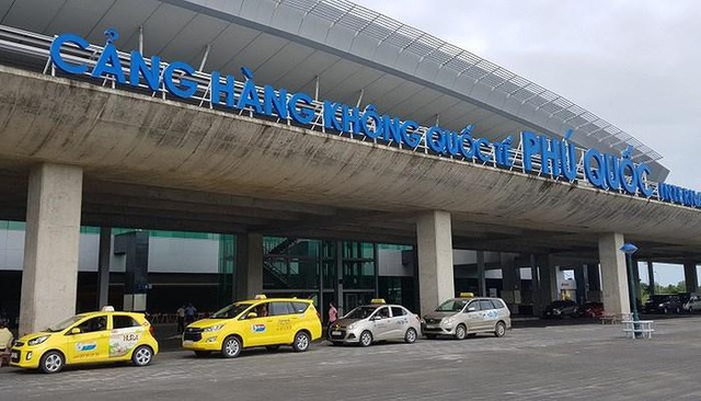 Sân bay Phú Quốc đóng cửa vì ngập, 1.600 hành khách bị ảnh hưởng - 1